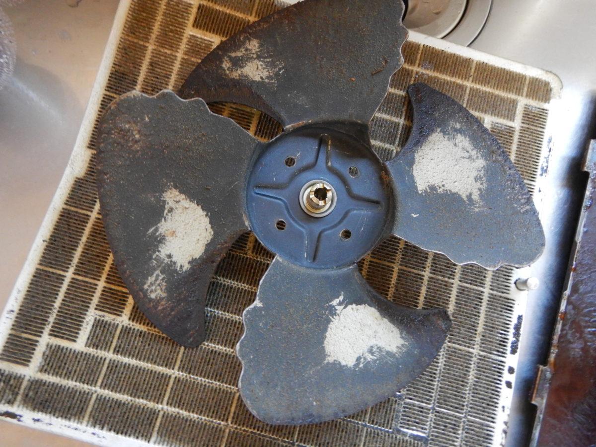 換気扇の掃除方法!重曹つけおきで落ちないときはセスキソーダで!