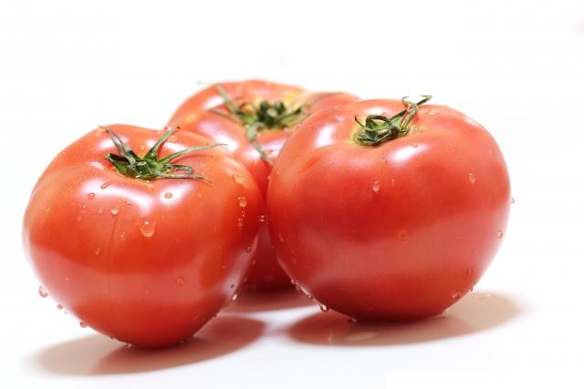 トマトの中身の栄養を逃さない切り方とは?【教えてもらう前と後】