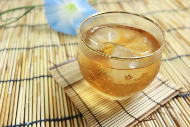 麦茶はカフェイン入ってる?水より体温を下げるので熱中症に効果的!