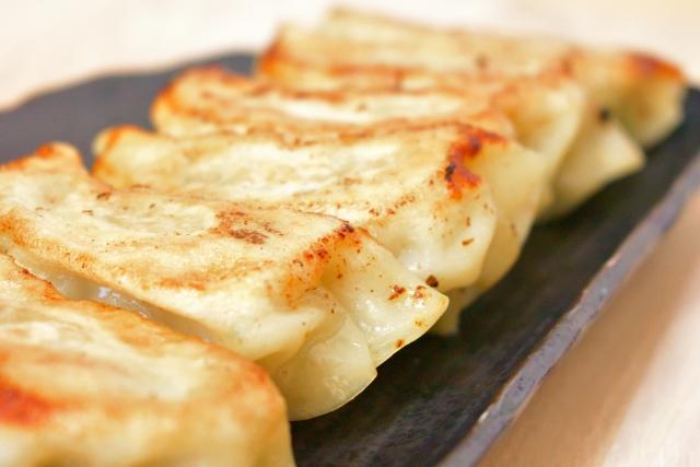 皮をのせるだけで包まないスコップ餃子レシピ・作り方【ヒルナンデス】