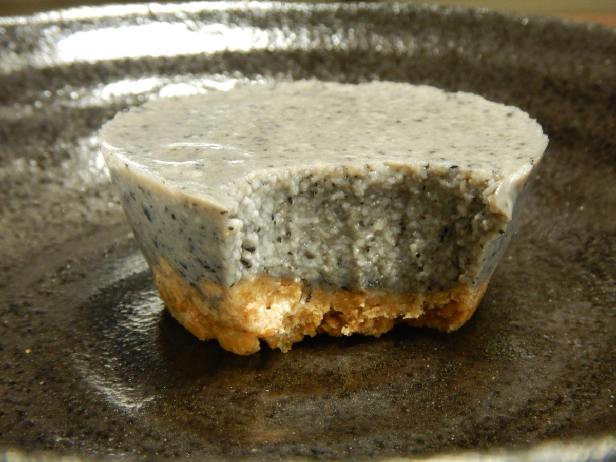 豆腐スイーツレシピ!簡単でバターなしのヘルシーごま豆腐タルトを作ってみた!